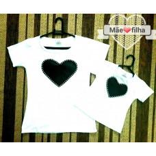kit blusinha branca coração pt