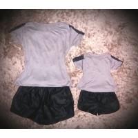 Conjunto  shorts preta com blusa cinza det