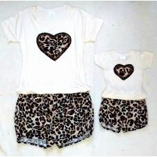 Conjunto shorts onça e blusas