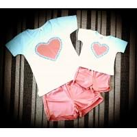 Conjunto shortinho rosê com blusinha branca coração color