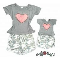 Conjunto shorts cinza onça com blusa cz coração