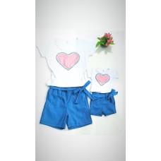 Conjunto shortinho cor jeans com blusa coração