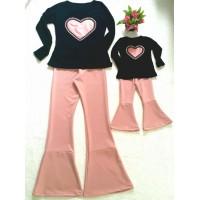 Conjunto flare  rosê com blusa coração