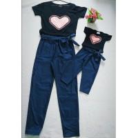 Conjunto jeans com blusa coração MC