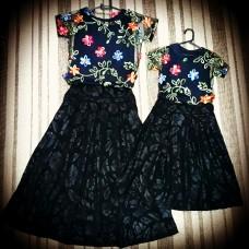 Conjunto saia midi preta com blusa bordada